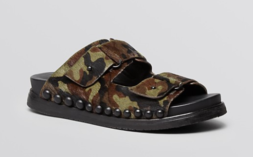 The latest trend: Flatbed Sandals