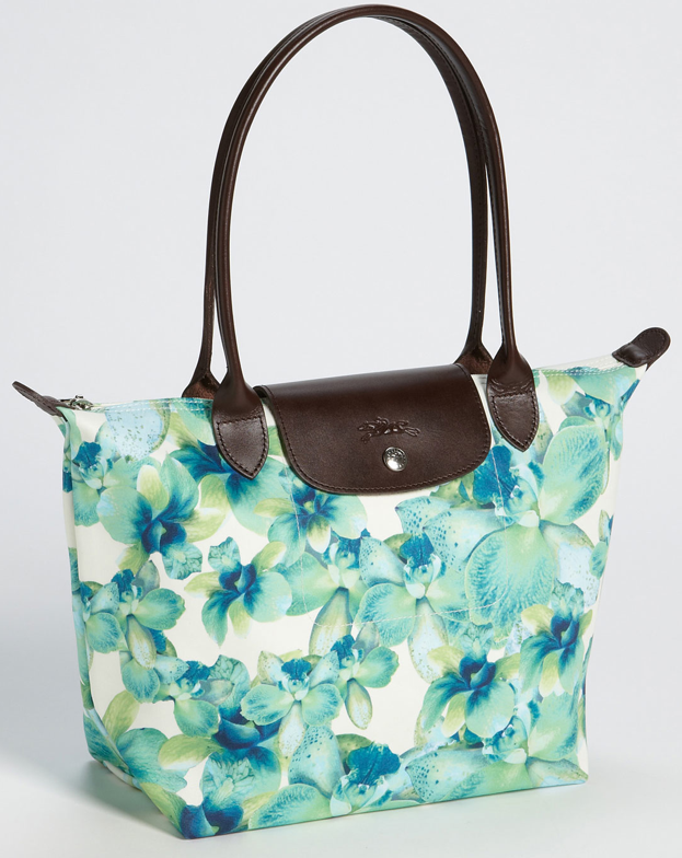 9ab6b5efe53d I love the color and design of this cotton tote. Longchamp introduces ...